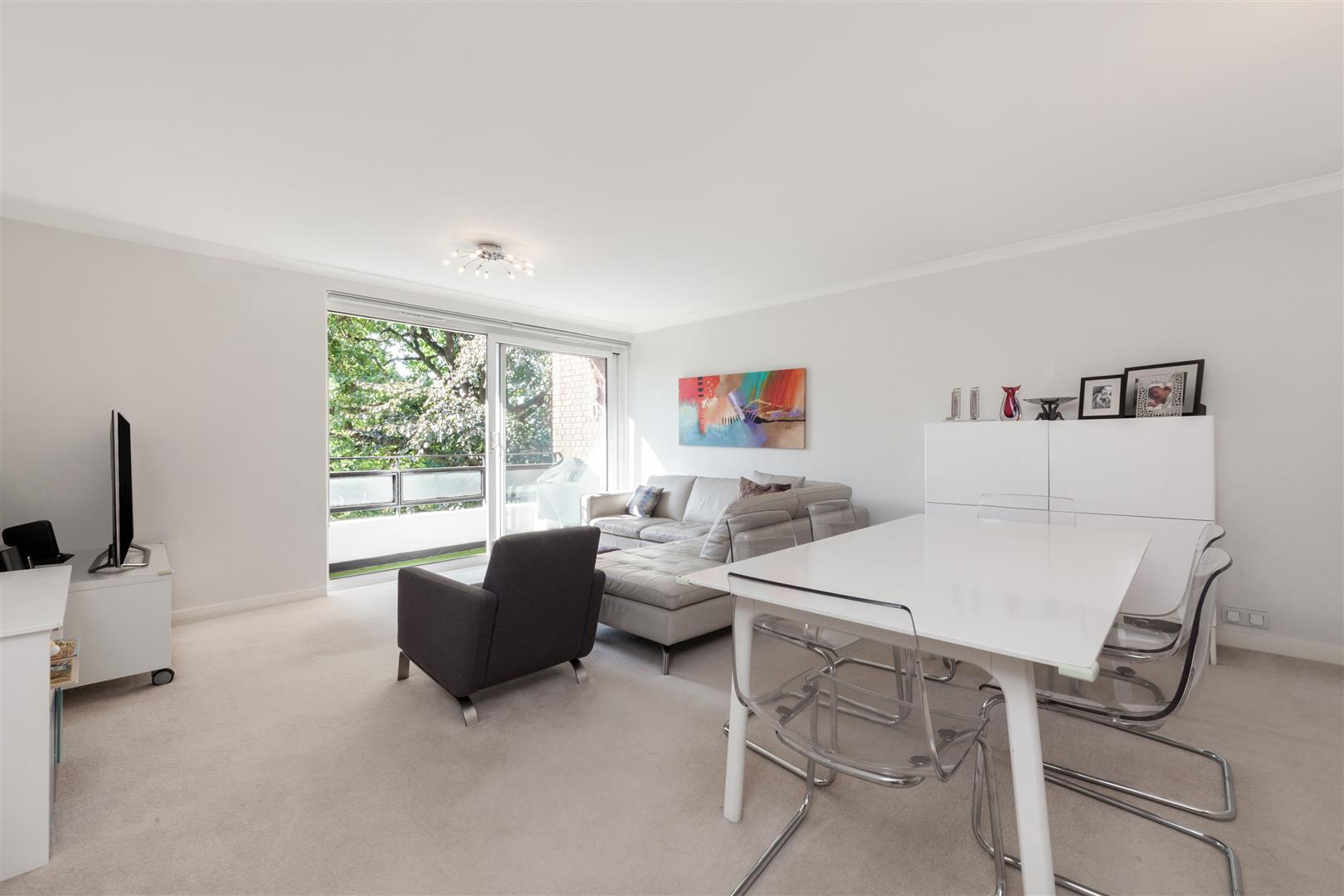 2 Bedrooms Flat for sale in Maresfield Gardens, Hampstead, NW3